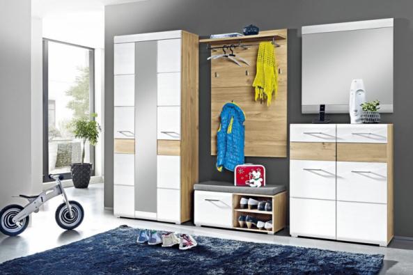 Stylový nábytek ze série Funny si oblíbíte pro jeho kvalitní zpracování, elegantní vzhled a praktičnost. Sestava zahrnuje skříň, botník, komodu s botníkem, věšákový panel a zrcadlo (ASKONÁBYTEK) naprosto skvěle