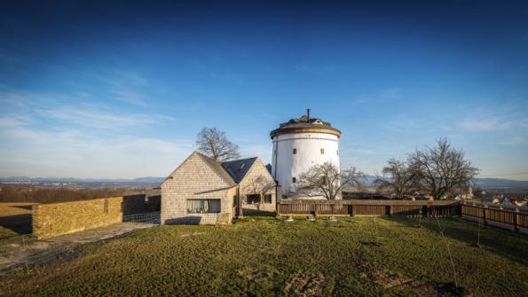 Rekonstrukce a dostavba větrného mlýna ve Zbyslavicích