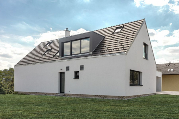 První vzorový e4 dům - Újezd u Průhonic (zdroj: Wienerberger)