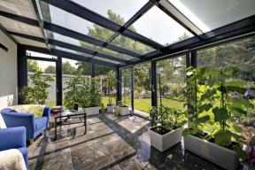 Společnost DAFE-PLAST Jihlava, s.r.o., používá na konstrukce zimních zahrad hliníkové systémy německé firmy SCHÜCO (DAFE-PLAST)