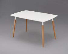 Stůl Halmstad ve skandinávském stylu má praktickou bílou desku s povrchem ve vysokém lesku, který se snadno udržuje, a výškově nastavitelné dřevěné nohy. Díky rozměrům 120 x 75 cm se hodí do malého bytu. Nabízí ASKO-Nábytek
