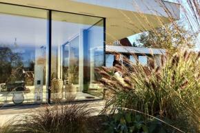 """""""Bydlete jako o krásné dovolené"""" je motto Ateliéru Kunc Architects. Návrhy studia jsou plné emocí a nálad"""