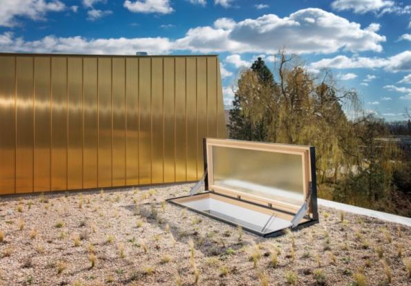 Střešní dveře Solara pro ploché i šikmé střechy