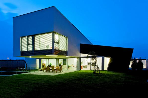 1. místo získal individuální dům se soutěžním kódem K075. Projektantem a dodavatelem je společnost GAD line, spol. s r.o.