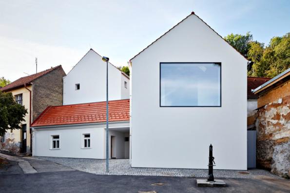 1. místo získal dům se soutěžním kódem R13. Autoři návrhu Atelier 111 architekti
