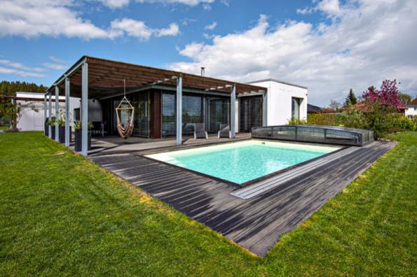 3. místo získala dřevostavba se soutěžním kódem N10, kterou navrhli architekti z ateliéru Alion. Porotu zaujalo zejména jednoduché bezbariérové uspořádání umožňující bezprostřední kontakt se zahradou