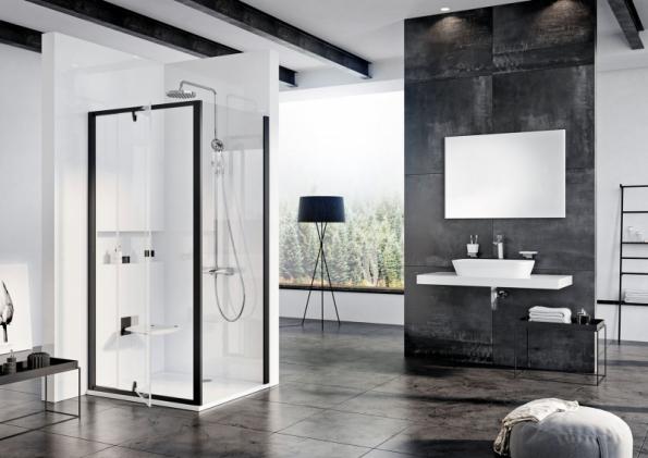 Sprchový kout Pivot značky RAVAK s černou povrchovou úpravou rámů podtrhne krásu skla a vynikne v každé koupelně (www.ravak.cz)