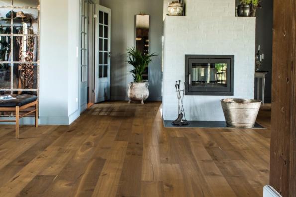 Třívrstvá dřevěná podlaha Kährs, kolekce Founders, dekor Dub Fredrik, olej (zdroj: KPP)