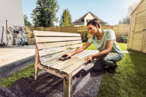 Renovace zahradního nábytku (zdroj: Hornbach)