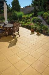 Dlažba ALMA je díky ušlechtilé povrchové úpravě PCT  a snadnému čištění vyhledávaným povrchem na zahradní terasy