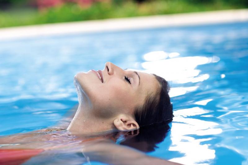 Dokonalý bazén a křišťálová voda. Víte, jak na to?