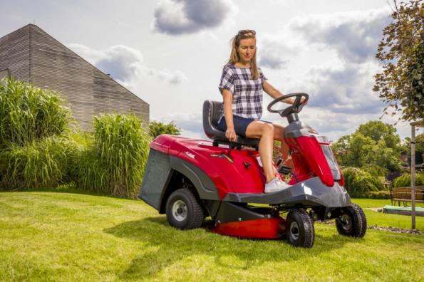 Zahradní rider XF 140 HD (zdroj: Mountfield)